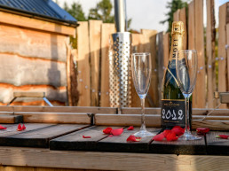 Holiday accommodation with hot tubs, perfect for romantic weekends in Scotland | Sweet Donside Cabins and Sweetheart Cottage