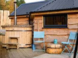 Holiday cabins with hot tubs and private decking | Sweet Donside Cabins and Sweetheart Cottage