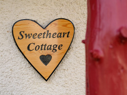 Dog-friendly holiday Cottage with hot tub in Scotland | Sweet Donside Cabins and Sweetheart Cottage