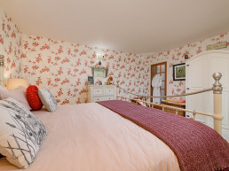 Romantic holidays with hot tubs in the Scottish Highlands | Sweet Donside Cabins and Sweetheart Cottage